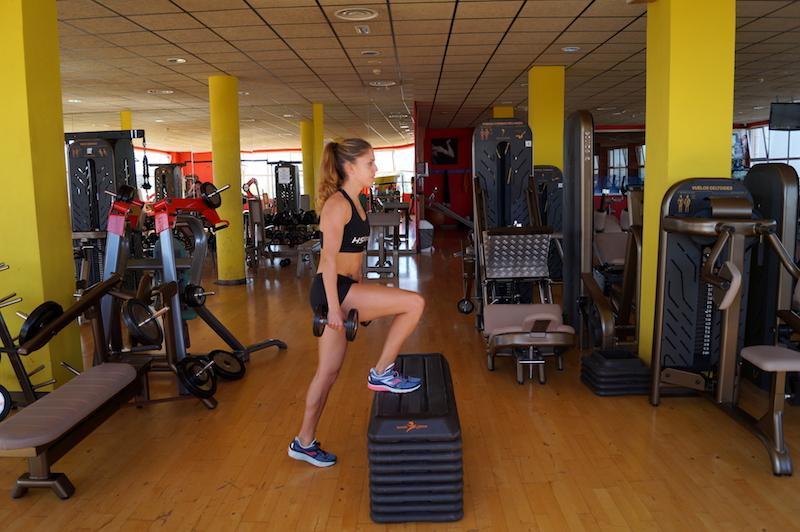 Ejercicios de fuerza y rutina de gimnasio para correr for Gimnasio mas