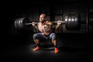 Tipos de rutinas en gimnasio para hipertrofia y fuerza